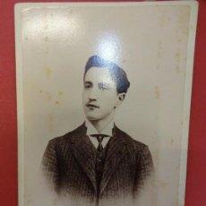 Fotografía antigua: ELEGANTE JOVEN. FOTO 16 X 11 CTMS. ESTUDIO JAIME FONT. IGUALADA. AÑOS 1890-1900. Lote 113592215