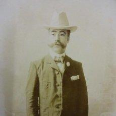 Fotografía antigua: CABALLERO INDIANO. MAGNÍFICA FOTOGRAFÍA 21 X 13 CTMS. FCO. OLIVER. TUCUMAN. ARGENTINA. AÑOS 1900S. Lote 113595799