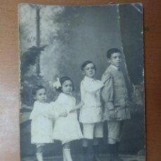 Fotografía antigua: RETRATO GRUPO DE NIÑOS FOTOGRAFO J.MARTI CALLE SANS BARCELONA PRINCIPIOS SIGLO XX. Lote 113668335