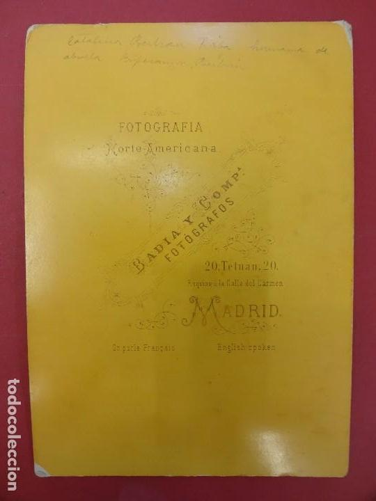Fotografía antigua: Elegante dama de época. Estudio BADIA Y CÍA. Madrid. Med: 25 x 17 ctms. - Foto 3 - 113909731