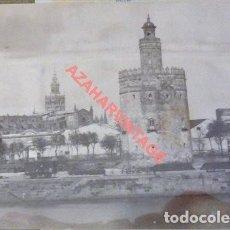 Fotografía antigua: SEVILLA, SIGLO XIX, TORRE DEL ORO Y PUERTO, PRECIOSA ALBUMINA, 135X105MM. Lote 114276411