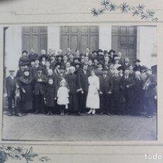 Fotografía antigua: FG-574. FOTO DE GRUPO ASISTENTES A UNA BODA. AÑOS DIEZ.. FRANCIA.. Lote 116489463