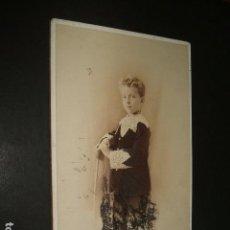 Fotografía antigua: ALFONSO XIII NIÑO RETRATO HACIA 1895 MORATALLA HERMANOS FOTOGRAFOS MADRID TAMAÑO CABINET. Lote 116503667