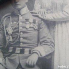 Fotografía antigua: ESPECTACULAR FOTO DE BODA DE TENIENTE DE CABALLERIA CON ROKISKI AVIACION , AÑOS 20. 16 X 23 CM. Lote 117544375