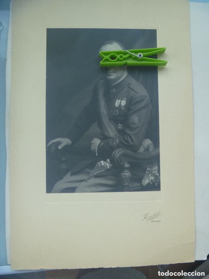 FOTO GENERAL MEDALLA MILITAR INDIVIDUAL , HEROE OVIEDO, COLECTIVA . DE KAULAK .. 26 X 39 CM (Fotografía Antigua - Albúmina)