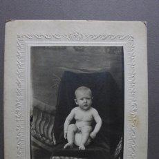 Fotografía antigua: GRACIOSO RETRATO DE BEBÉ S. XIX. Lote 120763123