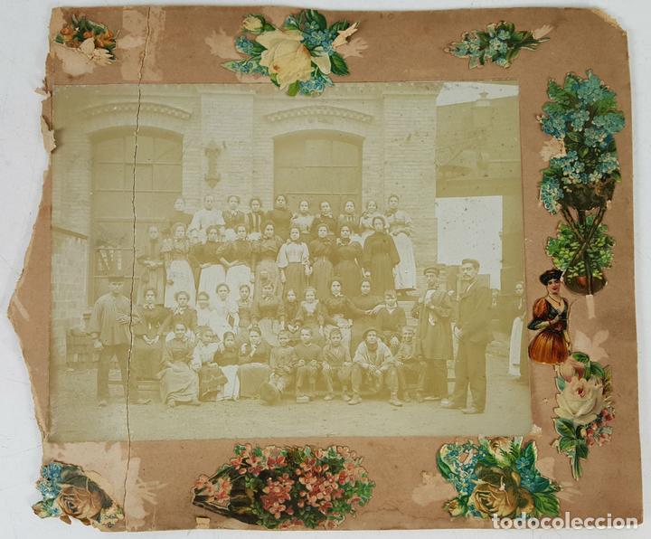 FOTOGRAFÍA DE GRUPO DE TRABAJADORAS. ALBUMINA. SIGLO XIX-XX. (Fotografía Antigua - Albúmina)