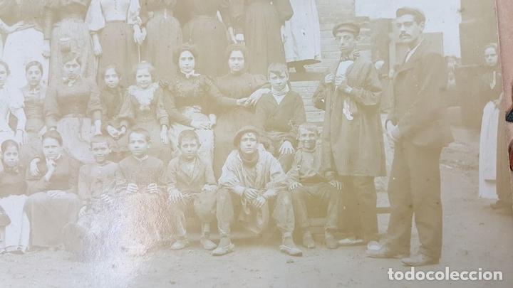 Fotografía antigua: FOTOGRAFÍA DE GRUPO DE TRABAJADORAS. ALBUMINA. SIGLO XIX-XX. - Foto 6 - 124706295