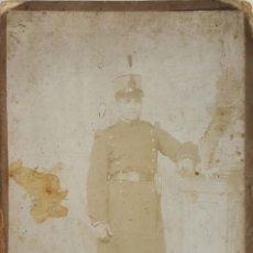 Fotografía antigua: FOTOGRAFIA DE SOLDADO. ALBUMINA. FOTOGRAFOS ROLDAN. ESPAÑA. SIGLO XIX-XX. . Lote 124708439