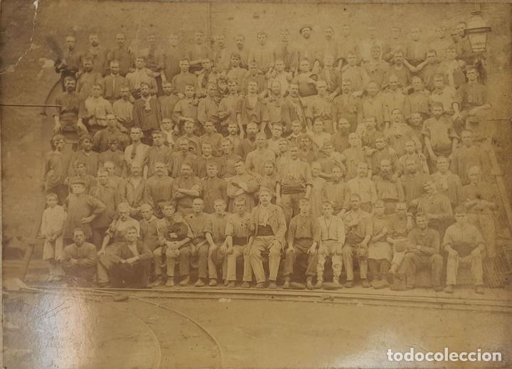 FOTOGRAFIA DE GRUPO. ALBUMINA. ESPAÑA. SIGLO XIX-XX. (Fotografía Antigua - Albúmina)