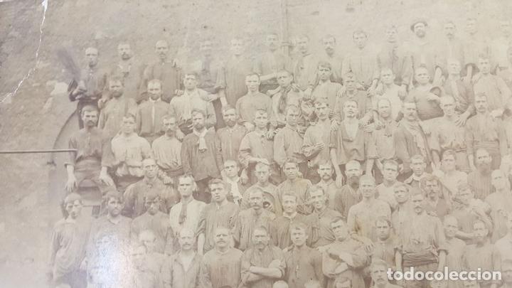 Fotografía antigua: FOTOGRAFIA DE GRUPO. ALBUMINA. ESPAÑA. SIGLO XIX-XX. - Foto 3 - 124713063
