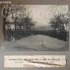 Fotografía antigua: SOMATEN DE SAN FELIU DE GUIXOLS - GERONA REVISTA REGLAMENTARIA DE 1921. Lote 126043199