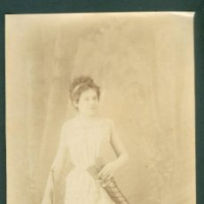 Fotografía antigua: CHICA ARQUERA FOTO ESPLUGAS C.1870 . Lote 128179231