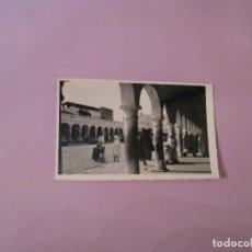 Fotografía antigua: UNA VISITA DE TETUAN (MARRUECOS ESPAÑOL). FOTO RUBIO.. Lote 128180883