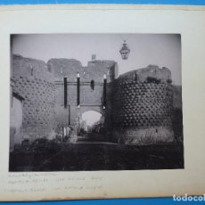 Fotografía antigua: MONTREUIL-BELLAY, TOURS, FRANCIA - ANTIGUA PUERTA Y CATEDRAL - AÑOS 1900-1910. Lote 128639539