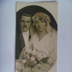 Fotografía antigua: PRECIOSA FOTO DE ESTUDIO DE BODA DE PAREJA DE ALEMANIA , NOVIA CON VELO Y RAMO. 1922. Lote 128694059