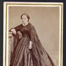 Fotografía antigua: FOTOGRAFIA DE SEÑORA. SOBRE 1880. - ALBUMINA-2447. Lote 129598883