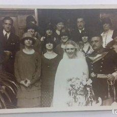 Fotografía antigua: FOTOGRAFÍA AÑOS 20 FAMILIA BODA MILITAR FOTÓGRAFO MARIN SAN SEBASTIAN. Lote 129644199