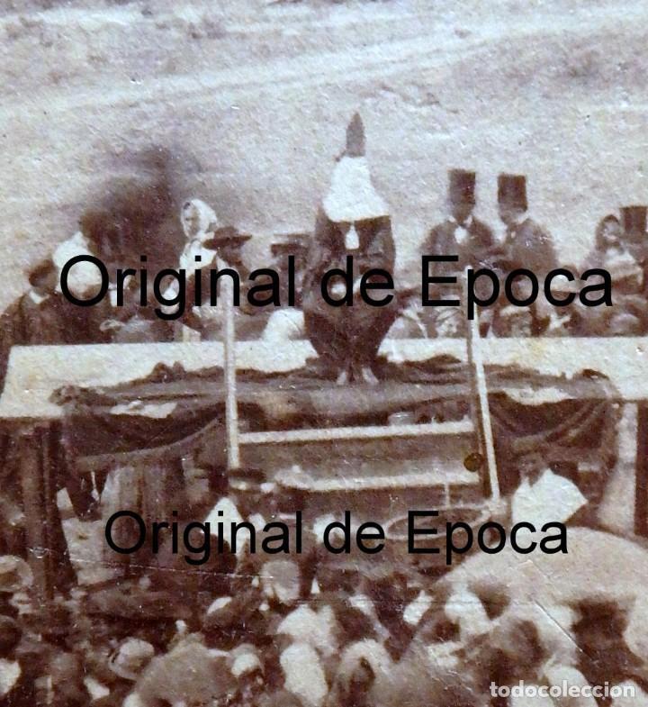 Fotografía antigua: (JX-180811)Fotografía albumina de una ejecución con garrote vil.CASTILLA O EXTREMADURA.1860-1880 - Foto 3 - 129969303