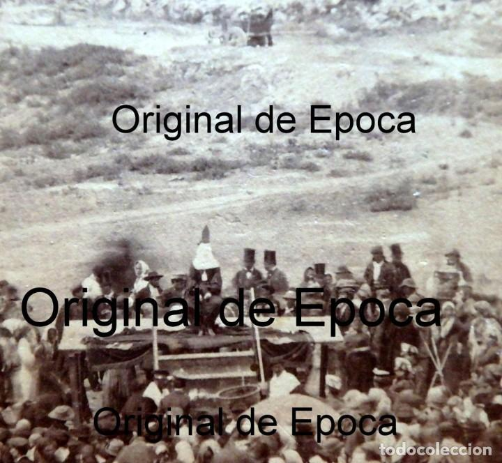 Fotografía antigua: (JX-180811)Fotografía albumina de una ejecución con garrote vil.CASTILLA O EXTREMADURA.1860-1880 - Foto 9 - 129969303