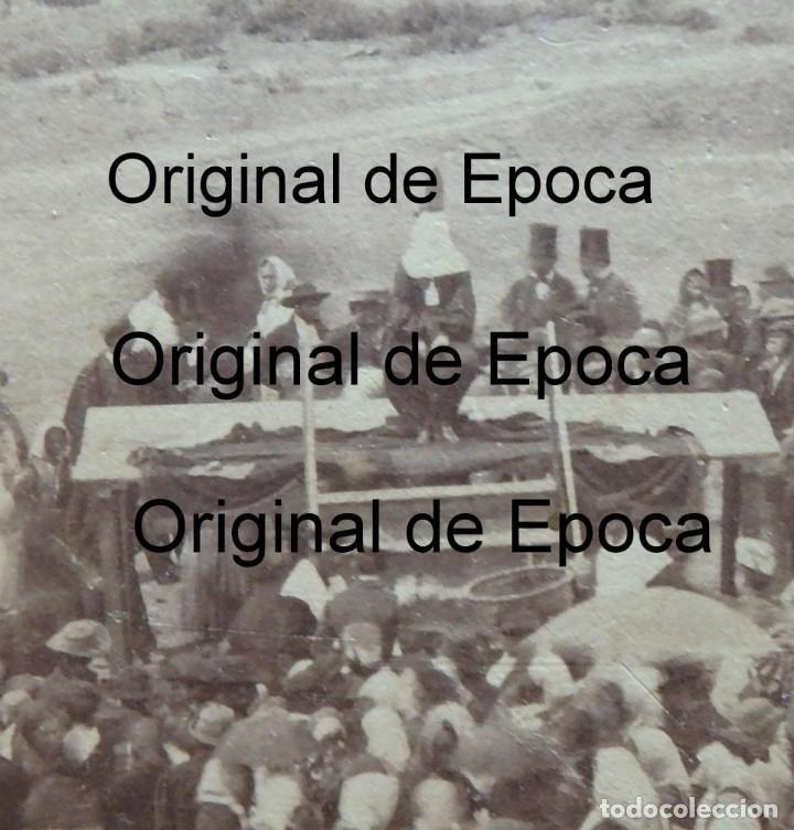 Fotografía antigua: (JX-180811)Fotografía albumina de una ejecución con garrote vil.CASTILLA O EXTREMADURA.1860-1880 - Foto 11 - 129969303