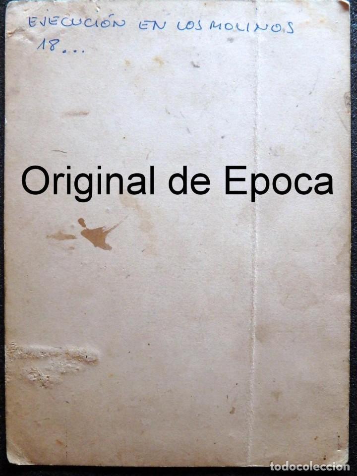 Fotografía antigua: (JX-180811)Fotografía albumina de una ejecución con garrote vil.CASTILLA O EXTREMADURA.1860-1880 - Foto 13 - 129969303