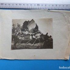 Fotografía antigua: VALENCIA - BATALLA DE FLORES, UNA CARROZA - AÑOS 1920-1930. Lote 131443246