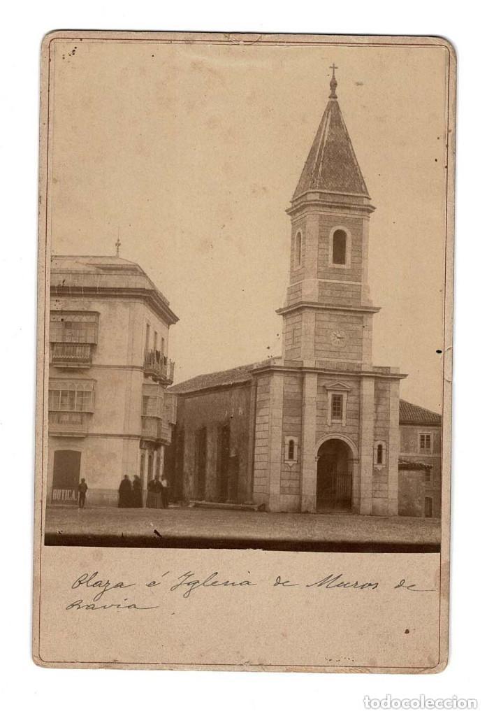 MUROS DE PRAVIA (ASTURIAS) PLAZA E IGLESIA. 16,5 X 11 CM (Fotografía Antigua - Albúmina)