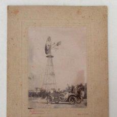 Fotografía antigua: FOTOGRAFÍA ALBUMINA. FOTO E. GONZALVEZ. AUTOMÓVIL Y MOLINO FIGUEROLA, VALENCIA. ELCHE. ALICANTE.. Lote 132445418