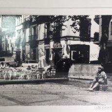 Fotografía antigua: FOTOGRAFIA DE GRANADA , PASEO DE LOS TRISTES , 1970 APROXIMADAMENTE . 36 X 29 CM.. Lote 136059686