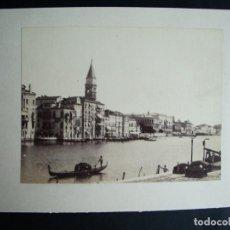 Fotografía antigua: 1889-CANAL VENECIA GÓNDOLA.ITALIA. FOTOGRAFÍA ORIGINAL. Lote 137934822
