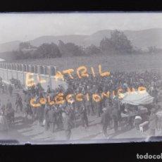 Fotografía antigua: OVIEDO, FERIA DE GANADO - CLICHE ORIGINAL - PLACA NEGATIVO EN CRISTAL - AÑOS 1920-1930. Lote 138935626