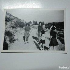 Fotografía antigua: FOTOGRAFIA ANTIGUA NIÑOS MADRES Y OVEJAS. TDKP13. Lote 141848242