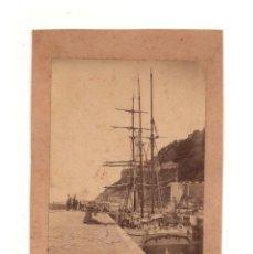 Fotografía antigua: GUIPUZCOA. ALBÚMINA PUERTO CON BARCO 9 X 13 CM. Lote 146313826