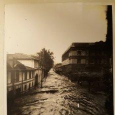 Fotografía antigua: FOTOGRAFÍA TOLOSA RIADA DE 1953. Lote 147757173