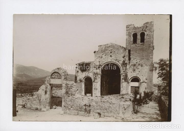 CATALUÑA, IGLESIA EN RUINAS POR IDENTIFICAR, 1900'S. APROX. 13X18 CM. (Fotografía Antigua - Albúmina)
