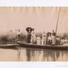 Fotografía antigua: VALENCIA, BARCA EN LA ALBUFERA, Nº408. 1880 APROX. FOTO: ANTONI ESPLUGAS. 21X16,5XM.. Lote 151856194