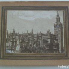 Fotografía antigua: GRAN FOTO DE LA CATEDRAL Y GIRALDA DE SEVILLA , FINES DEL XIX O PP. DEL XX .... 14 X 18,5 CM. Lote 152564806