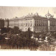 Fotografía antigua: ALBÚMINA MADRID.- PALACIO REAL POR LA PLAZA .- FOTOGRAFÍA J. LAURENT. MEDIDAS SOLO FOTO 3 X 24,5 CM. Lote 174095424