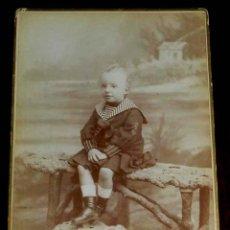 Fotografía antigua: FOTOGRAFIA ALBUMINA DE ALFONSO XIII DE NIÑO, SIGLO XIX, REALIZADA POR FERNANDO DEBAS, C/ ALCALA, 31 . Lote 156472498