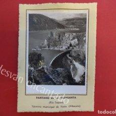 Fotografía antigua: PANTANO DE LA FUENSANTA (RÍO SEGURA) YESTE (ALBACETE). 1953. FOTO CON CARACTERÍSTICAS AL DORSO. Lote 156513278