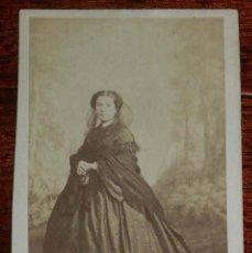 Fotografía antigua: FOTOGRAFIA ALBUMINA DE MUJER, TIPO CDV, FOTO J. LAURENT, MIDE 10 X 6,4 CMS.. Lote 156985438