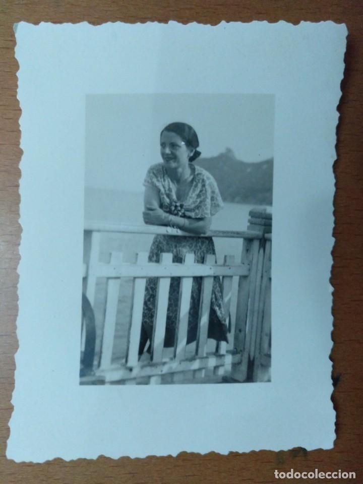 FOTO REALIZAD EN CAGLIARI (CERDEÑA - ITALIA) 1935 SEÑORITA 6 X 8 CM (APROX) (Fotografía Antigua - Albúmina)