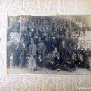 Fotografía antigua: FOTOGRAFIA DE GRUPO FRENTE AL GRAN CAFÉ RESTAURANTE TIBIDABO. BARCELONA. 1ª DECADA SIGLO XX.. Lote 160869422