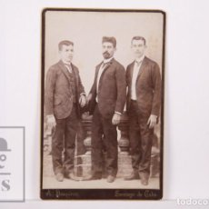 Fotografía antigua: ANTIGUA FOTOGRAFÍA DE A. DESQUIRON, SANTIAGO DE CUBA - AGUSTÍN FERRER, JOSÉ PERICH Y FAUSTO MAGRANS. Lote 162699422