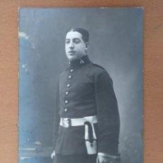 Fotografía antigua: SOLDADO CON UNIFORME DEL ARMA DE ARTILLERIA FOTOGRAFO E. MARSELL BARCELONA. Lote 164148050