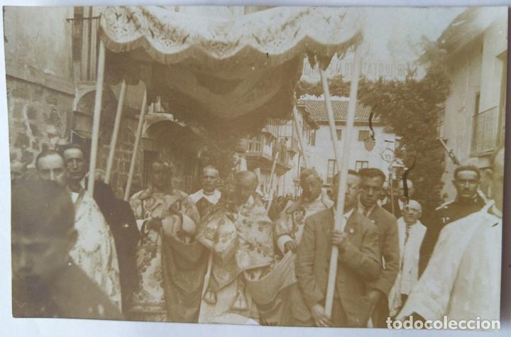 LOGROÑO 1928 PROCESION PRECEDIDA POR EL OBISPO DE VALENCIA . (Fotografía Antigua - Albúmina)