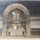 Fotografía antigua: SANTIAGO HOSPITAL REAL REJA Y RETABLO J. ROIG. Lote 164832466