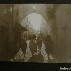 Fotografía antigua: TETUAN-ARCO DEL AIOUN-FOTOGRAFIA ALBUMINA ANTIGUA-VER FOTOS-(V-17.065). Lote 165250058