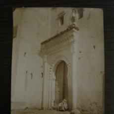 Fotografía antigua: TETUAN-MEZQUITA CERCA DE PLAZA ESPAÑA-FOTOGRAFIA ALBUMINA ANTIGUA-VER FOTOS-(V-17.072). Lote 165251394